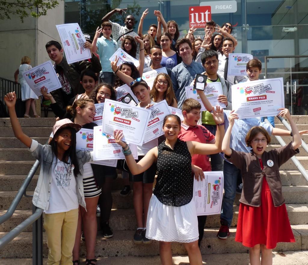 Les lauréats de l'édition 2015 des Prix Anacej des jeunes citoyens, à Figeac ©Anacej